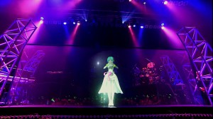 196418Miku_Hatsune_39-s_Giving_Day_Concert_11920x10801_mkv_004412574.jpg